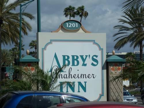 Abby's Anaheimer Inn - Across Disneyland Park