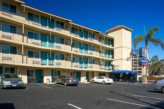 Howard Johnson Hotel Circle San Diego Reviews