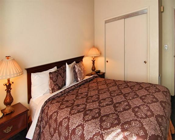 Incredible Bide A Wee Inn And Cottages Pacific Grove Compare Deals Home Interior And Landscaping Ponolsignezvosmurscom
