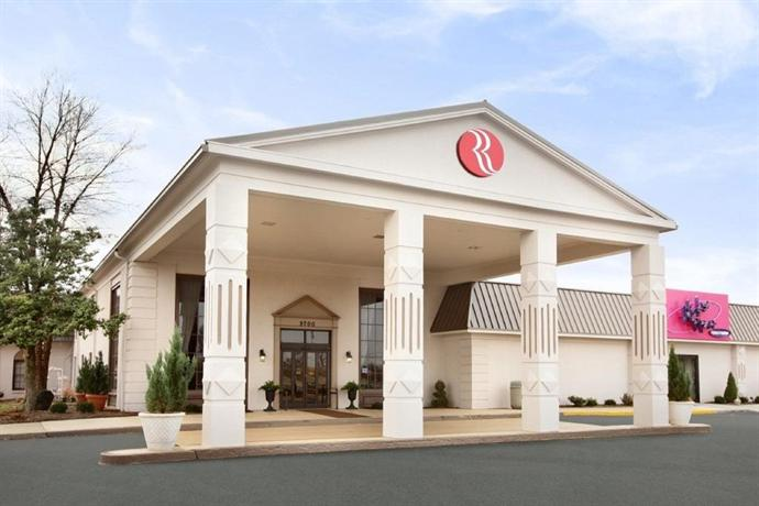 Ramada Plaza Louisville Hotel and Conference Center