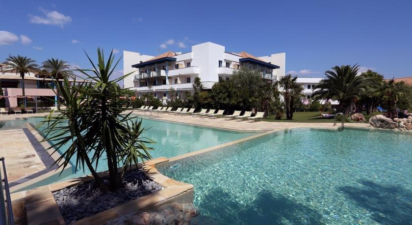 Villaggio giardini d 39 oriente nova siri compare deals - Hotel villaggio giardini d oriente ...