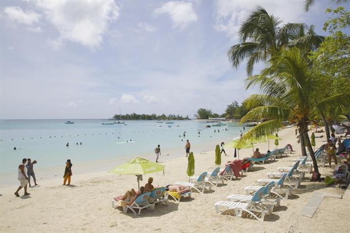 Bur-nas Beach, Pereybere - Compare Deals