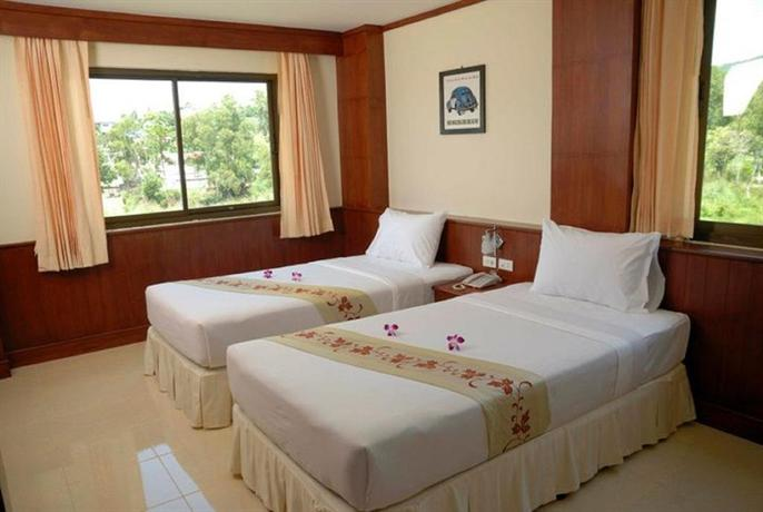 Phuket Guest Friendly Hotels - Outdoor Inn & Restaurant
