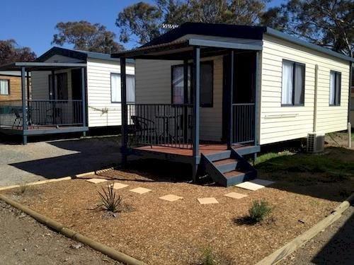 goulburn south caravan park compare deals. Black Bedroom Furniture Sets. Home Design Ideas