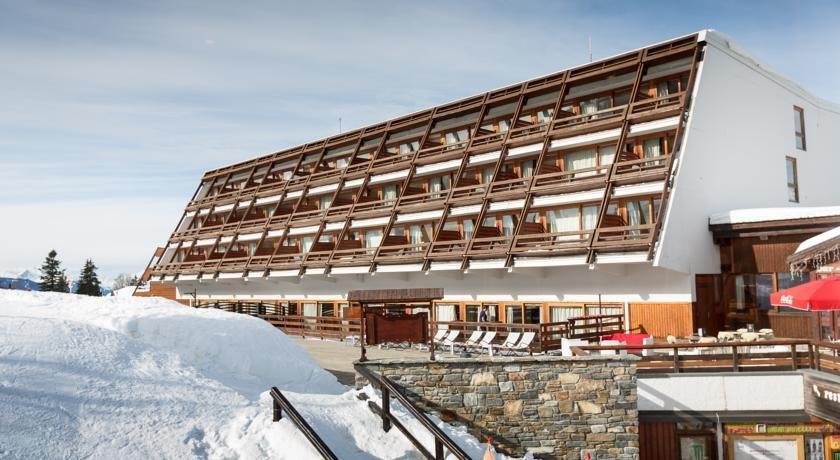 Cachette hotels bourg saint maurice for Prix des hotels en france