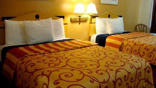 Regency 7 Motel Fayetteville Book Your Hotel With Viamichelin