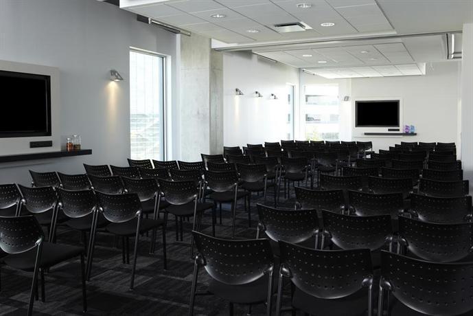 Alt Hotel Toronto Airport Reviews