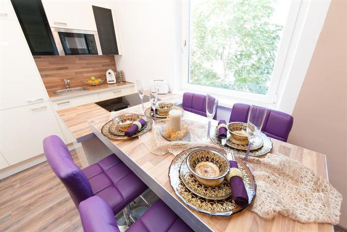 Traditional apartments vienna tav design compare deals for Designer apartment vienna