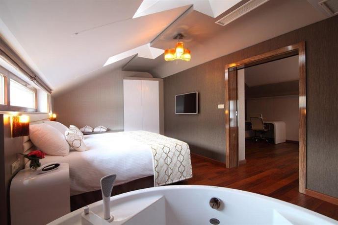 Metropolis Design Hotel Krakow Booking