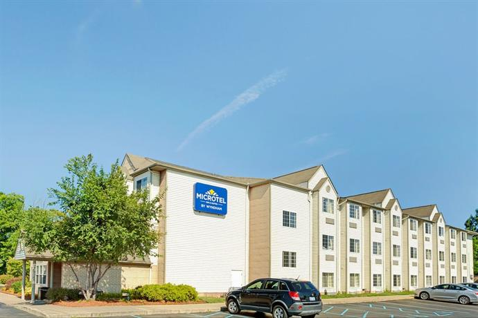 Microtel Inn & Suites by Wyndham Detroit Roseville