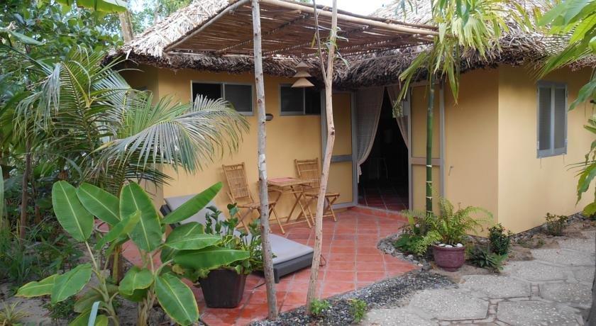 thuy gunter garden bungalow phan thiet compare deals. Black Bedroom Furniture Sets. Home Design Ideas