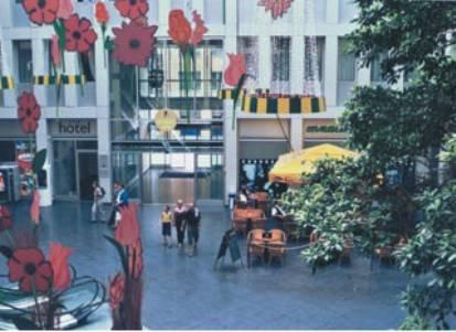 Hotel Kubrat Berlin Hellersdorf