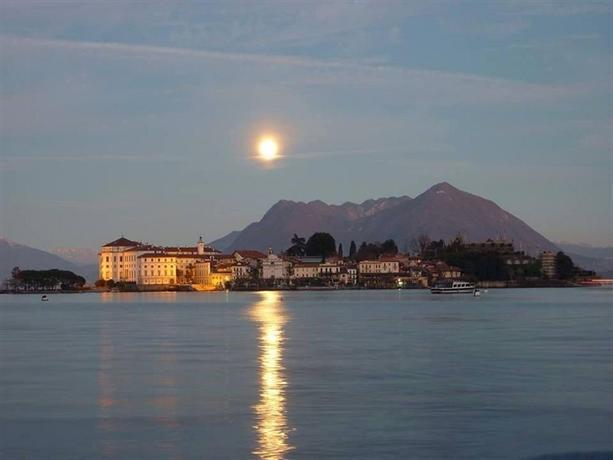 Bed and breakfast stresa lago maggiore compare deals for Designhotel lago maggiore