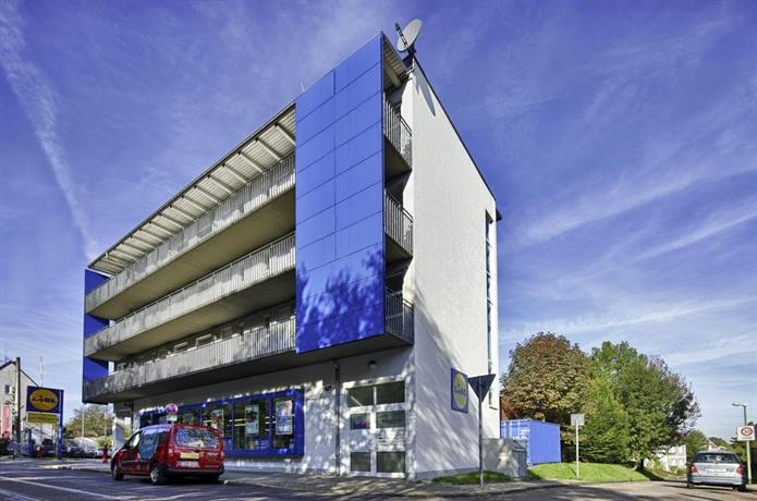 Petul apart hotel stadtgarten essen compare deals for Aparte hotel