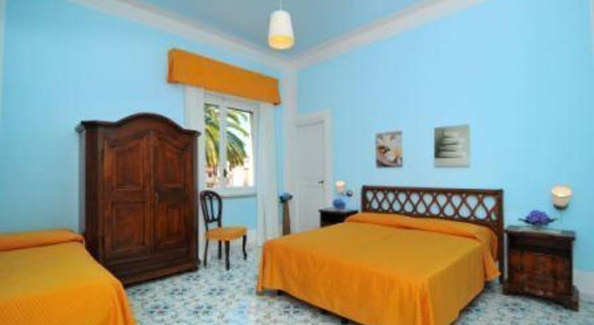 Hotel mignon meuble sorrento compare deals for Hotel mignon meuble sorrento italy