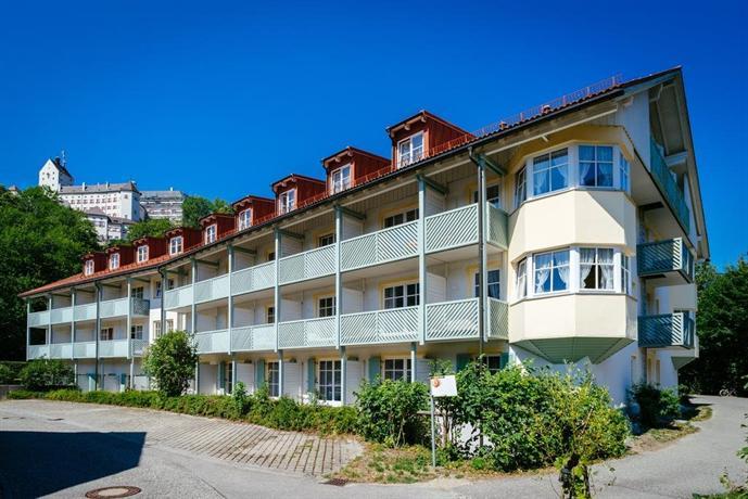burghotel aschau aschau im chiemgau compare deals. Black Bedroom Furniture Sets. Home Design Ideas