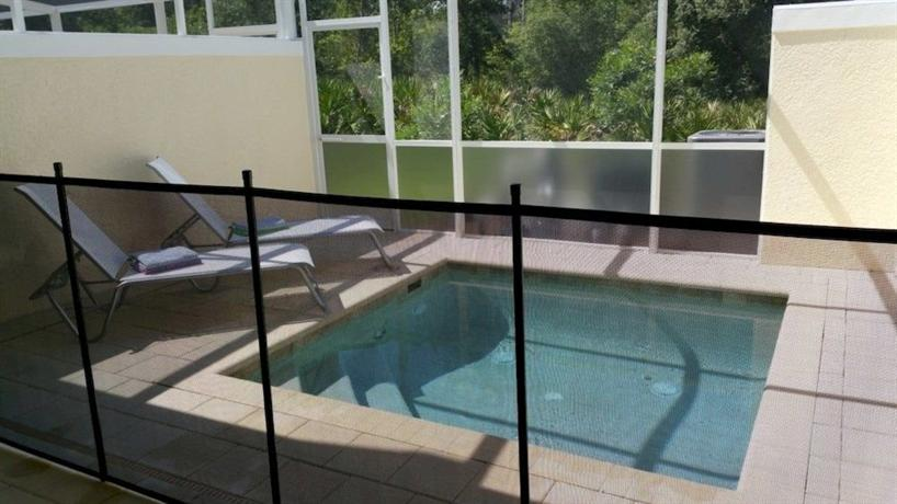 Bella piazza resort by ipg orlando compare deals for Ipg pool show