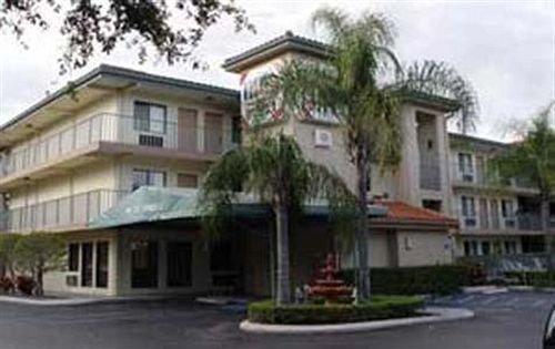Inn Of America Palm Beach Gardens Compare Deals