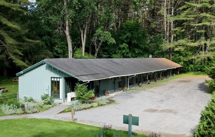 Saratoga Garden Motel