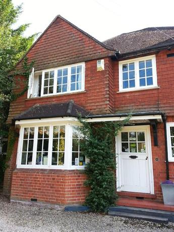 Rosemead Guest House Claygate