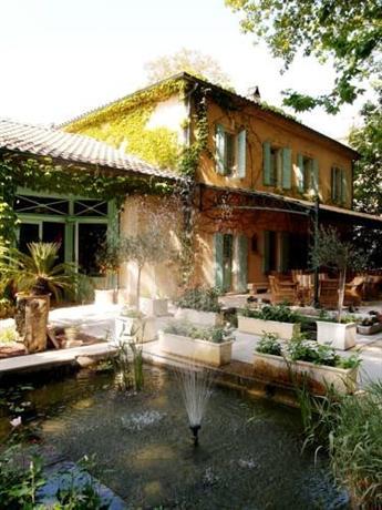chateau de montcaud sabran compare deals. Black Bedroom Furniture Sets. Home Design Ideas