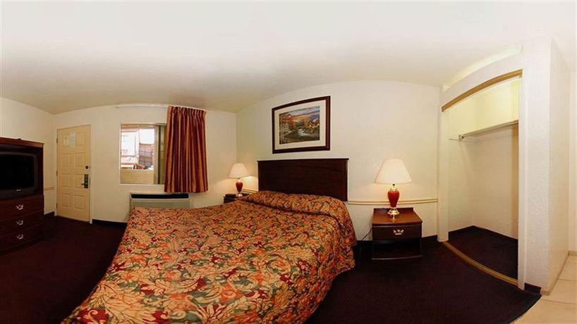 TownHouse Suites