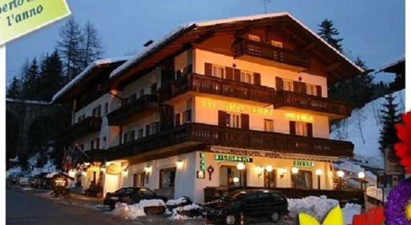 Meuble villa neve hotel cortina d 39 ampezzo compare deals for Hotel meuble villa neve