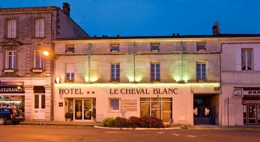 citotel le cheval blanc hotel cognac compare deals. Black Bedroom Furniture Sets. Home Design Ideas
