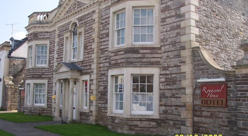 Rounceval House Hotel Chipping Sodbury