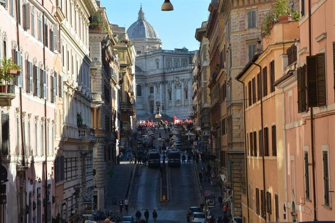 Interno 7 luxury rooms rome compare deals for Interno 7 luxury rooms