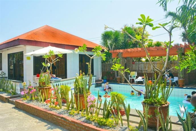 About Isla Bonita Beach Resort