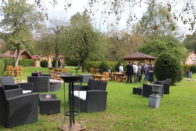 Auberge du haut jardin hotel rehaupal compare deals for Auberge du jardin antoine