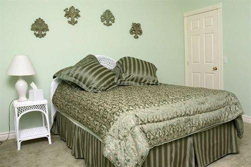 Silver Service Inn Bed & Breakfast
