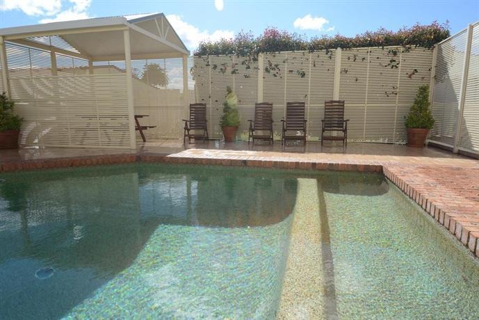 Ashby house motor inn tamworth compare deals for Ashby house