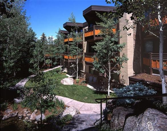 Laurelwood condominiums snowmass village aspen compare for Laurel wood