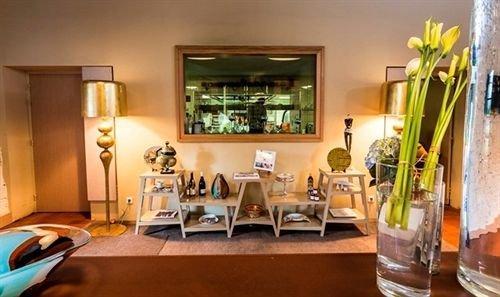 hotel thierry drapeau saint sulpice le verdon compare deals. Black Bedroom Furniture Sets. Home Design Ideas