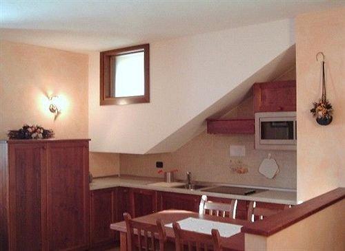 Logis hotel meuble emile rey courmayeur comparer les offres for Meuble courmayeur