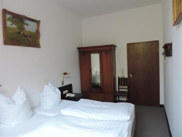 Hotel PelliHof, Rendsburg  Sammenlign hoteldeals