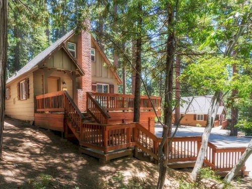 Knotty Pines Cabins