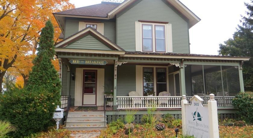 White Swan Bed And Breakfast Michigan