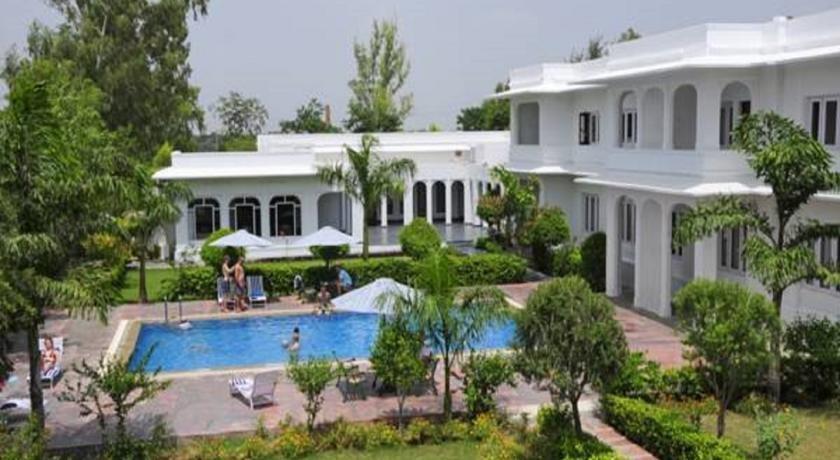 Hotel Udai Vilas Palace Bharatpur