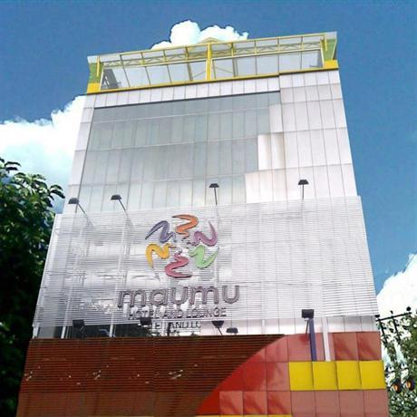 OYO 235 Maumu Hotel & Lounge Surabaya