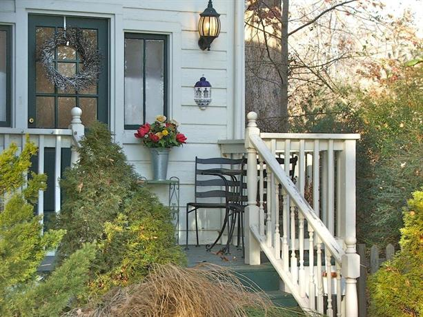 Oakland Cottage Bed And Breakfast Asheville