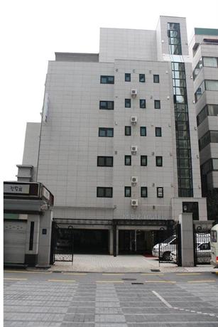 M Biz Hotel