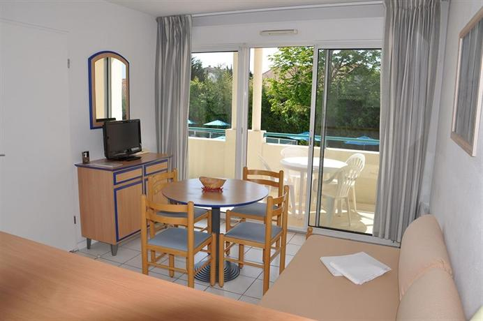 Residence hoteliere du golf ciboure compare deals for Residence hoteliere