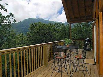 Smoky mountain lodging pigeon forge compare deals