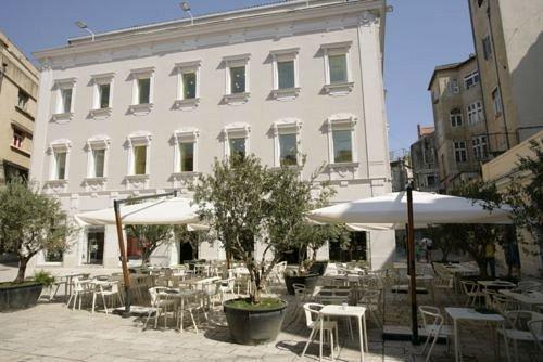 Design hostel goli bosi split compare deals for Design hotel 101 split