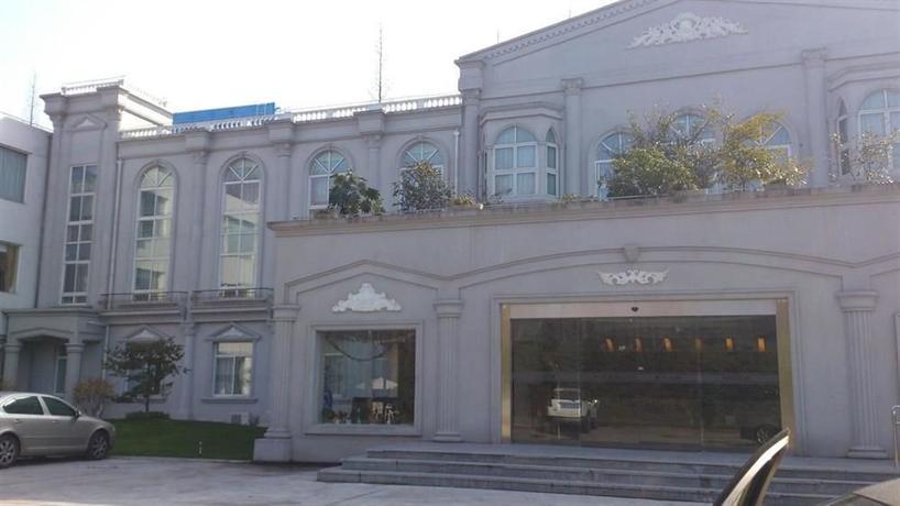 Shanghai Binjiang Entertainment Center