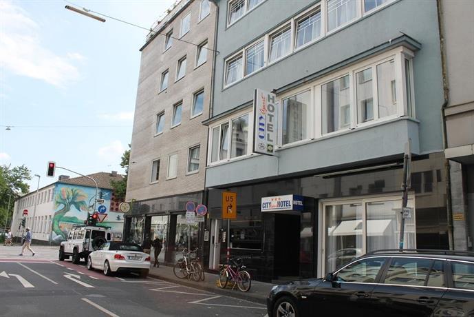 City apart hotel dusseldorf compare deals for Appart hotel dusseldorf