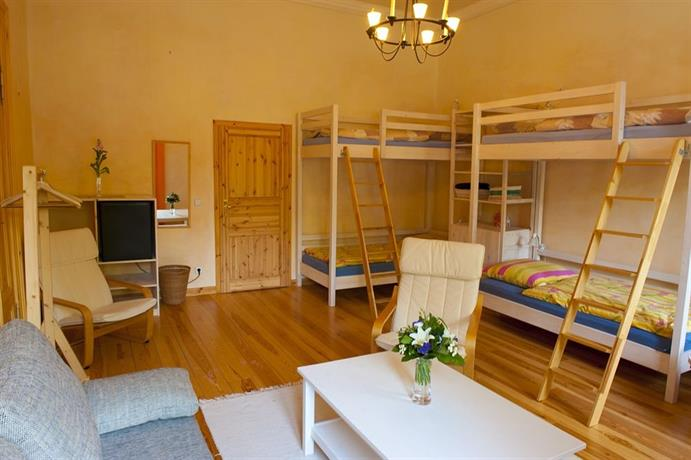 excellent apartments kreuzberg berlin compare deals. Black Bedroom Furniture Sets. Home Design Ideas